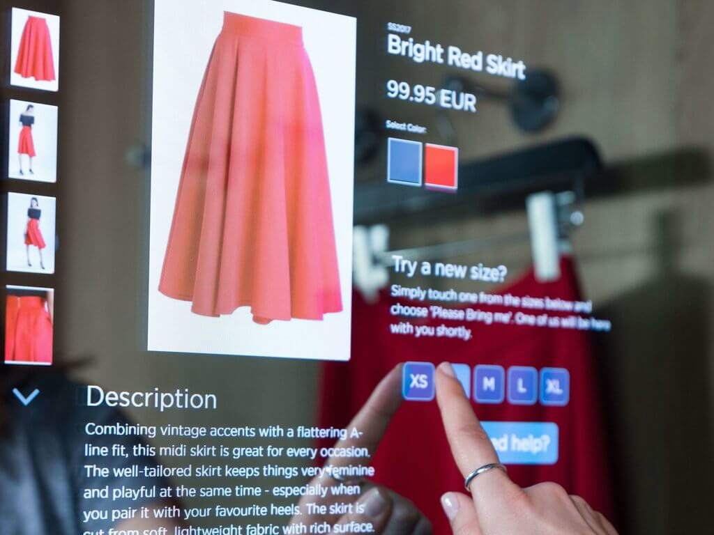 Smart Fitting Room Display